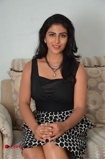 Actress Kruthika Jayakumar Pictures at Rojulu Maarayi Movie Interview  0125
