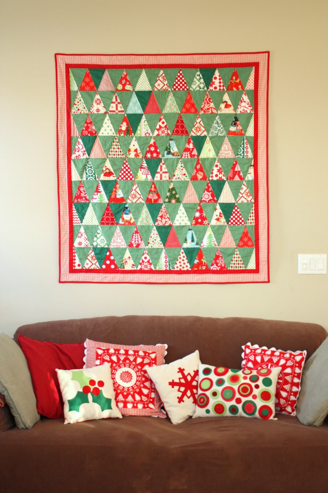 Retro-inspired Triangle Christmas Quilt