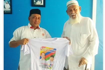 Abu Razak Jok Atribut Kampanye Jokowi-Amin Bak Waled Nu