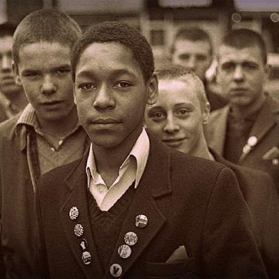black-and-white-skinheads
