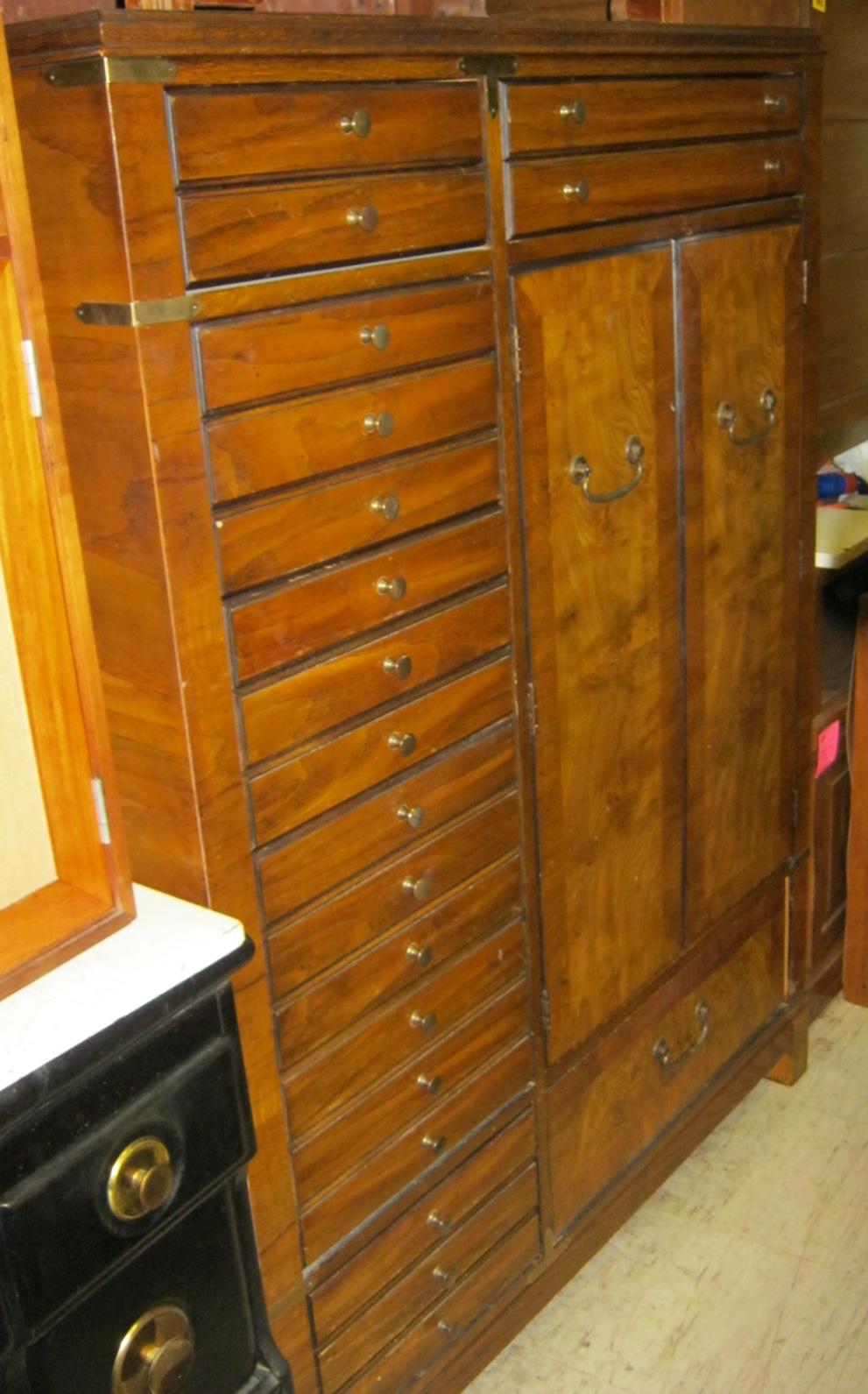 Uhuru Furniture Amp Collectibles Chiffarobe W 8 Drawers And