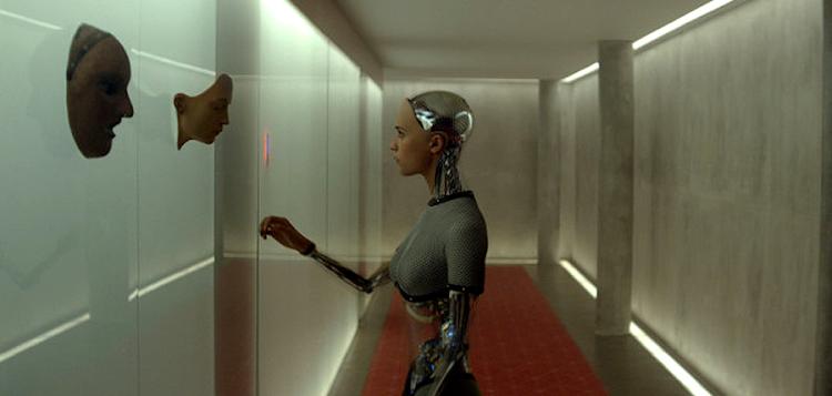 Inteligenţa Artificială A.V.A. în thrillerul sci-fi Ex_Machina