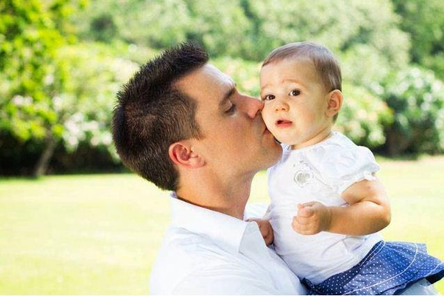 suami yang menjaga anak suami hensem kacak sado