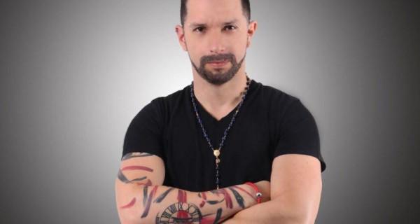 Publicista Irrael Gomez atacó cuentas de Dolar Today