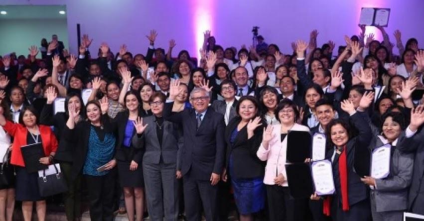 MINEDU premia a 143 docentes por iniciativas para mejorar aprendizajes de escolares - www.minedu.gob.pe