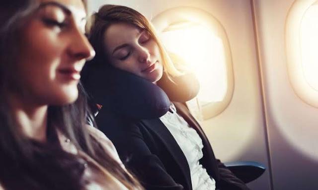 Causas por las que no duermes bien cuando estás de viaje