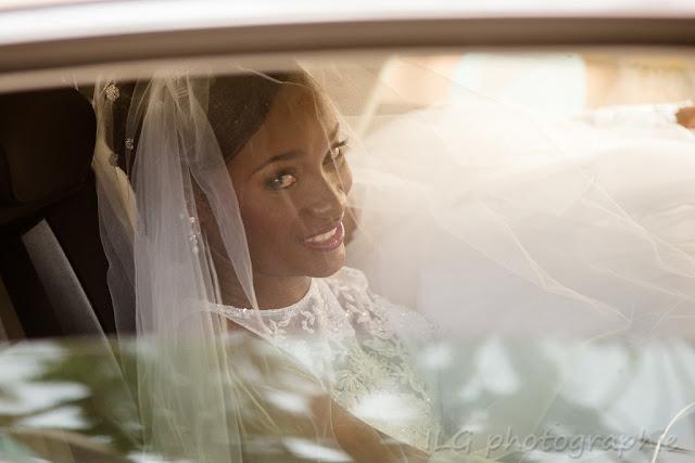 Guadeloupe mariage portrait mariée voiture