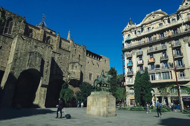 ラモン・ベレンゲール3世広場(Plaça de Ramon Berenguer III)