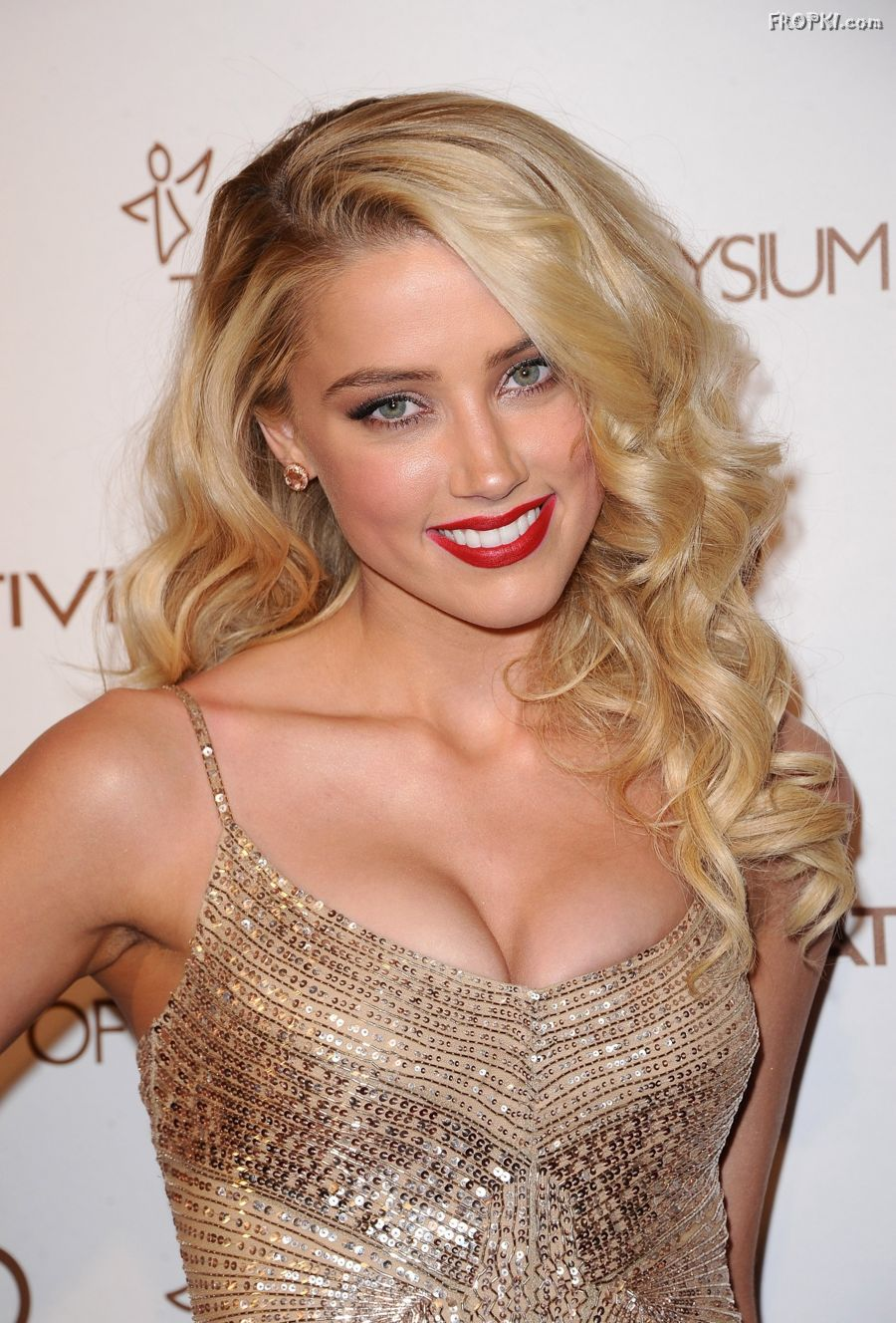 Amber Heard Big Cleavages Photos ~ My 24News and Entertainment