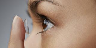 10 Kesalahan Penggunaan Lensa Kontak yang Merusak Mata