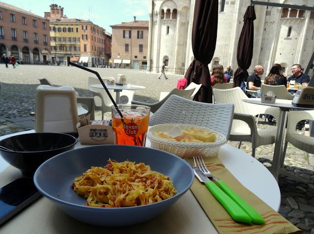 Modena, Italy: Tagliatelle al Forno + Spritz Lunch at Piazza Grande