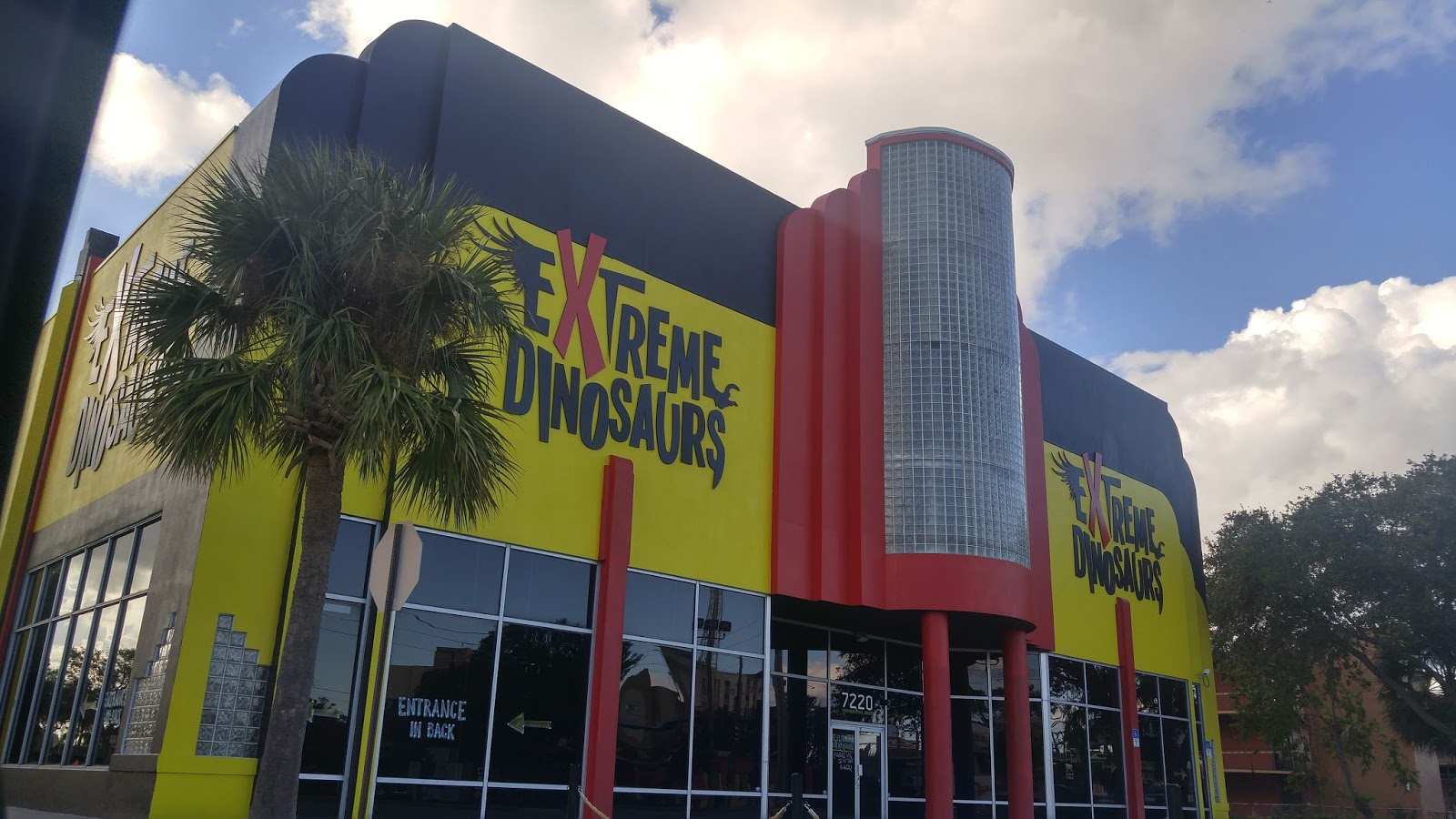 Review Extreme Dinosaurs The Exhibition New On I Drive