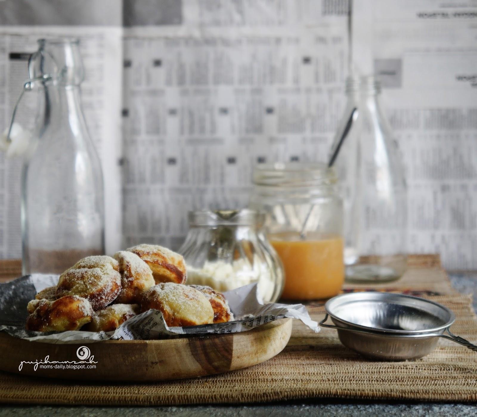 Mama's Daily Report: Cerita Tentang Roti Pisang Banjar Dan