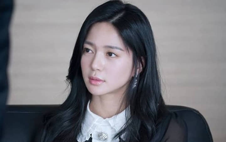 Did Lee Elijah's face copied a Philippine celebrity?