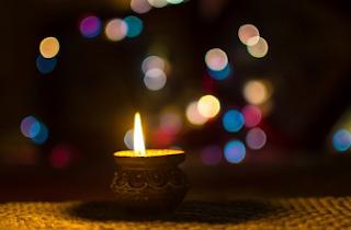 Apa Arti Peribahasa Seperti Lampu Kekurangan Minyak ?