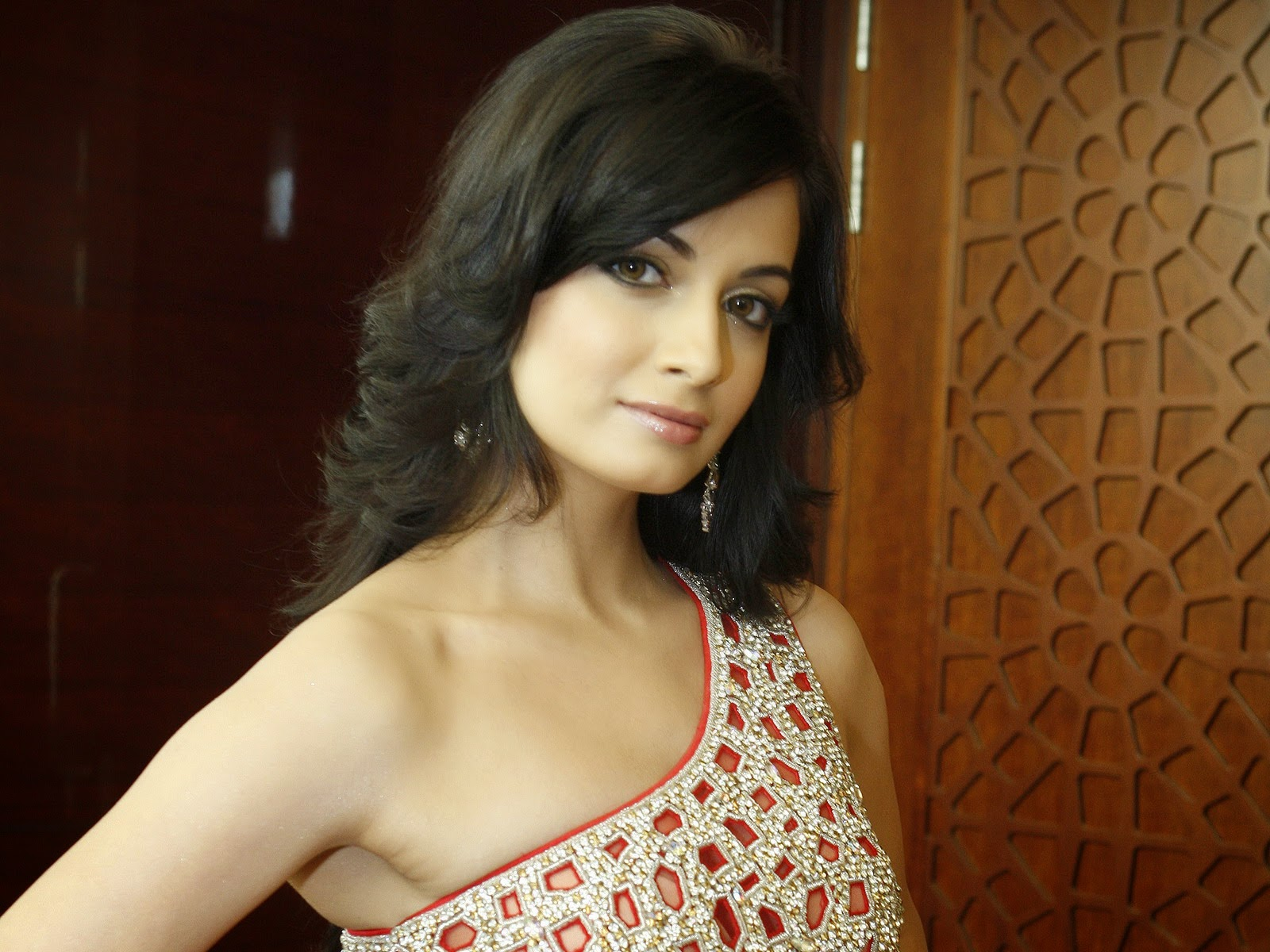 Global Pictures Gallery Diya Mirza Full Hdwallpapers-3231