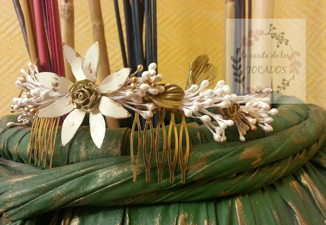 peineta original para novia vintage artesanal en marfil y dorado