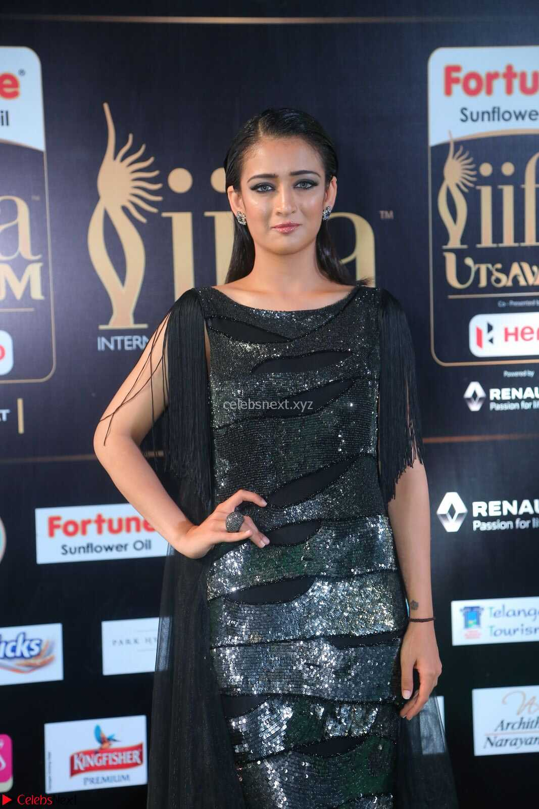 Akshara Haasan in Shining Gown at IIFA Utsavam Awards 2017  Day 2 at CelebsNext.COM