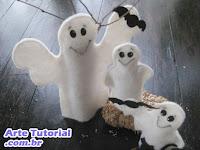 Fantasmas com morcegos decorativos para o Halloween