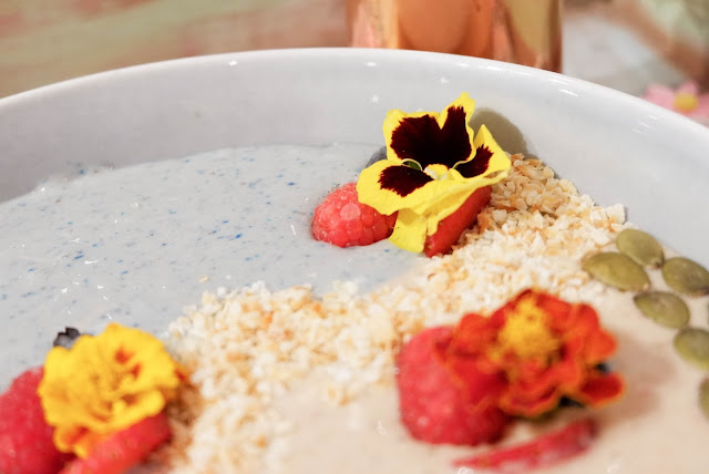 heavenly-blush-greek-secret-smoothie-bowl