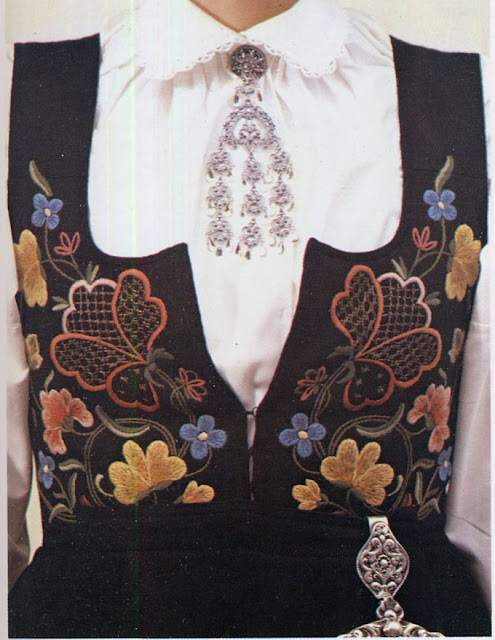 Folkcostumeembroidery Overview Of Norwegian Costumes Part 2 The