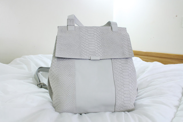 rox & ann review, rox & ann, rox ann bag review, roxandann, roxandann review, rox and ann review blog, rox and ann, hortensia backpack review, hortensia backpack, suede backpack grey, rox and ann instagram