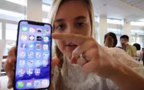 شركة أبل تطرد احد مهندسيها لتسببه في نشر فيديو يستعرض iphone X قبل اطلاقه