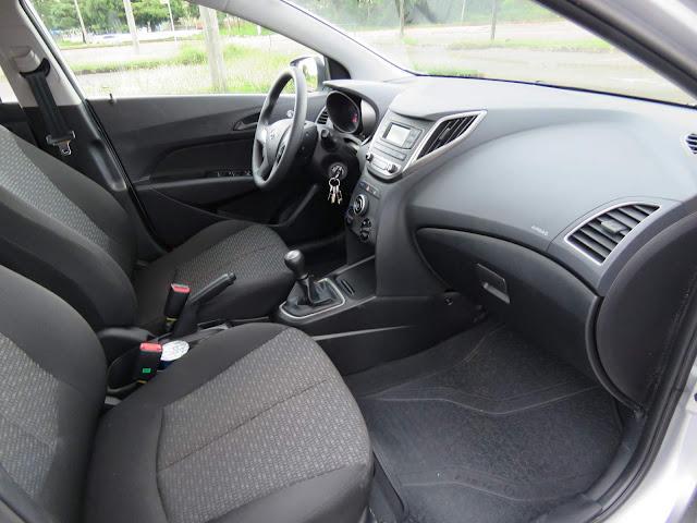 Hyundai HB20 1.6 2016 - espaço interior - dianteira