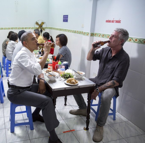 """We'll miss him"" Barack Obama mourns CNN host Anthony Bourdain who committed suicide today"