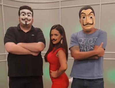 Fernanda Maia com os youtubers Casimiro e Pedro Certezas do canal De Sola.  Crédito: Divulgação/SBT