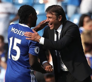 Antonio Conte and Victor Moses