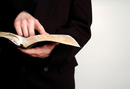 Predikimi ekspozues, predikimi teocentrik, Stiv LLasen, predikim ne shqip