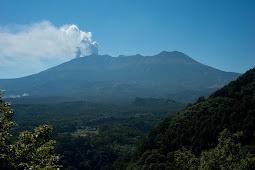 御嶽山噴火で6000人宿泊キャンセル 旧高山市
