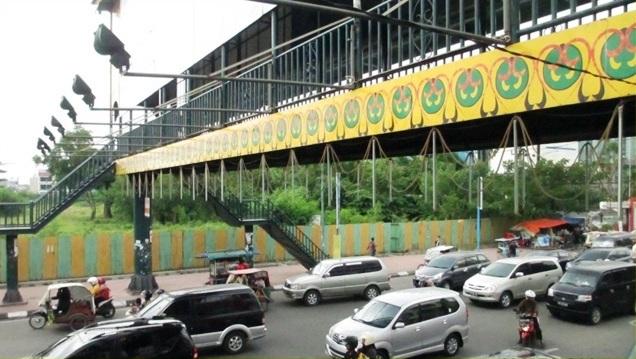 Jembatan Penyeberangan Orang (JPO) yang berada di Jalan Jenderal Gatot Subroto Plaza Medan Fair (Carefour) dan Pajak Petisah Medan