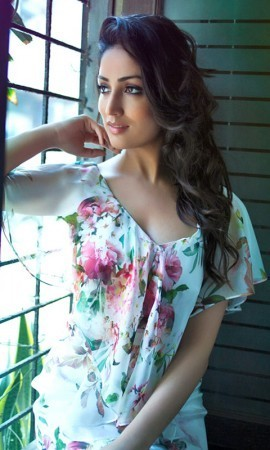 Glorious glamorous fair and lovely Yaami gowtham hot pics