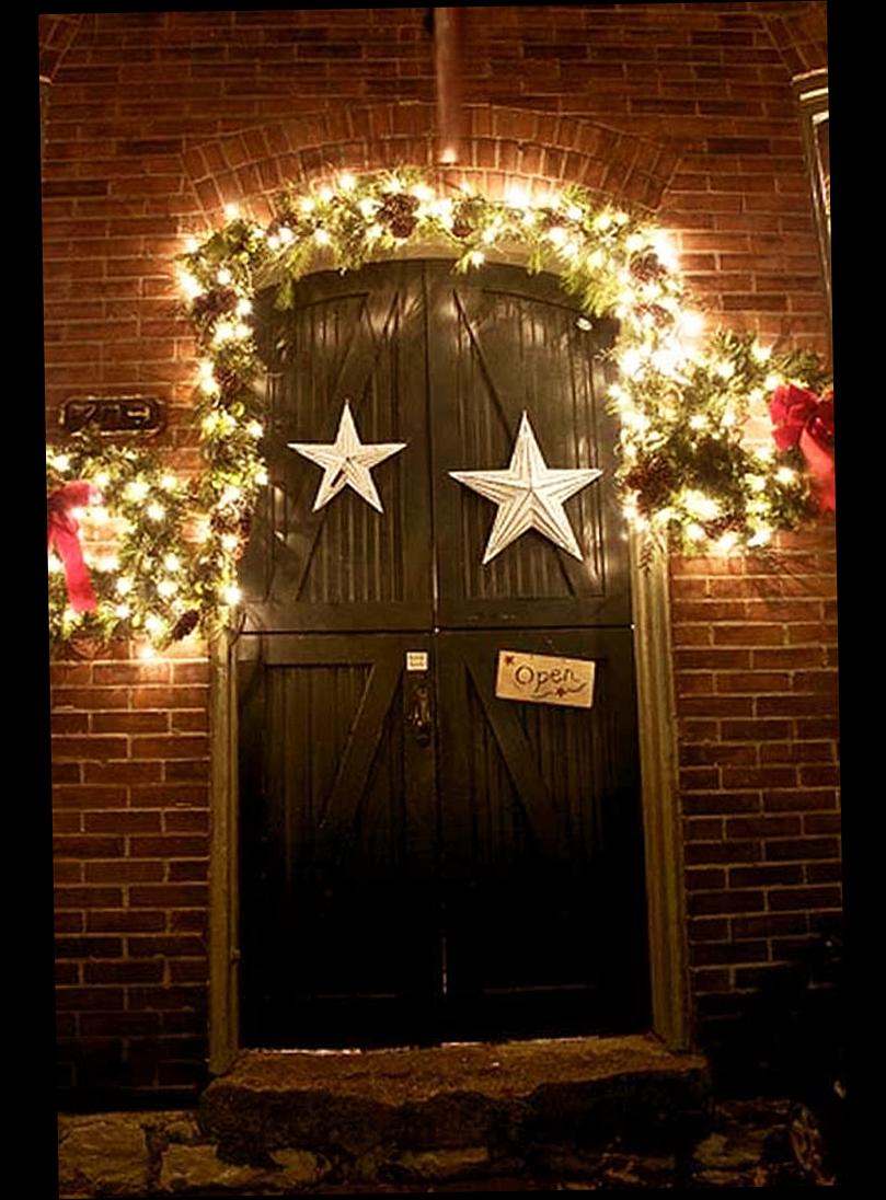 Front door christmas lights - Elegant Christmas Front Door Decorations On The Dark Light With Small Lighting Lamp Good
