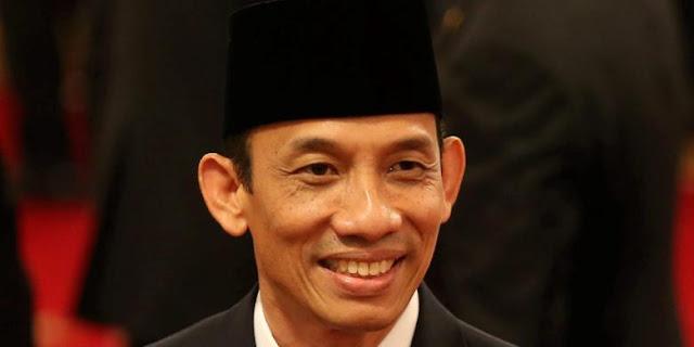 BREAKING NEWS: Jokowi Copot Menteri ESDM Arcandra Tahar