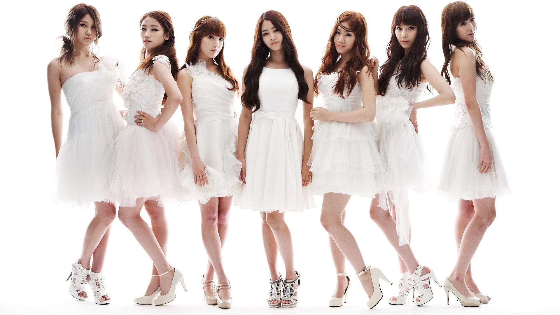 Female Korean Group 73