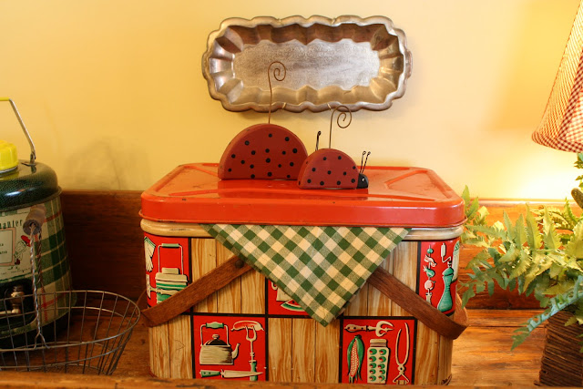 vintage retro metal picnic basket