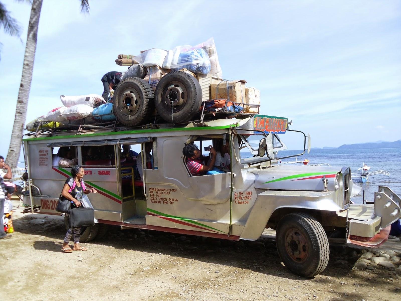 Ônibus em El Nido