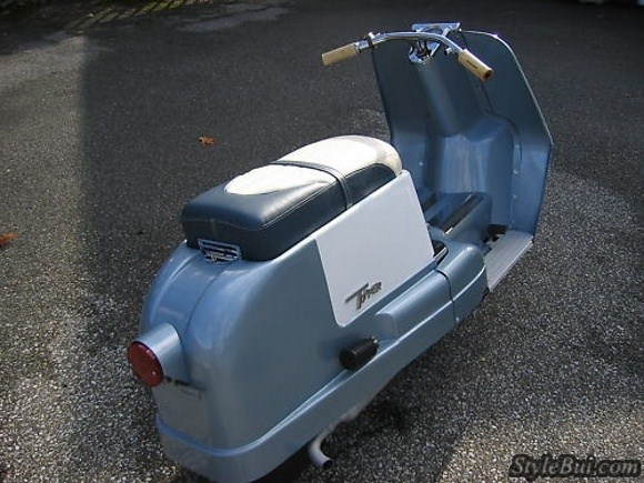 Xe cổ Harley Davidson Topper 165cc Scooter