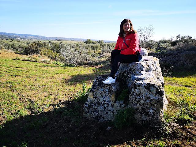 Che ci faccio seduta su quella roccia ?