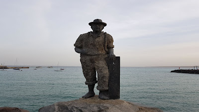 statua vista mare puerto del rosario