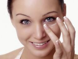 gel di aloe, contorno occhi con gel di aloe, ricetta cosmetica contorno occhi con te verde e gel di aloe
