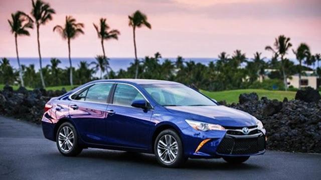 2018 Toyota Camry Hybrid XLE Rumors