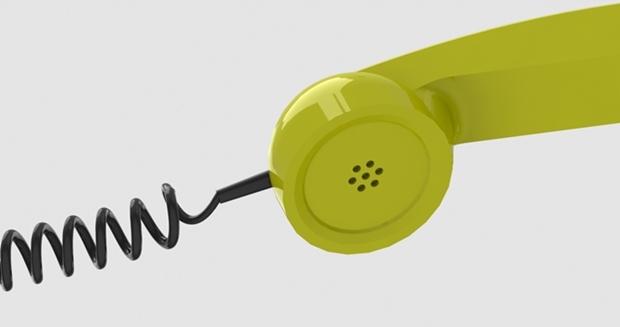 detalle de cable y microfono dela auricular modelado con solidworks