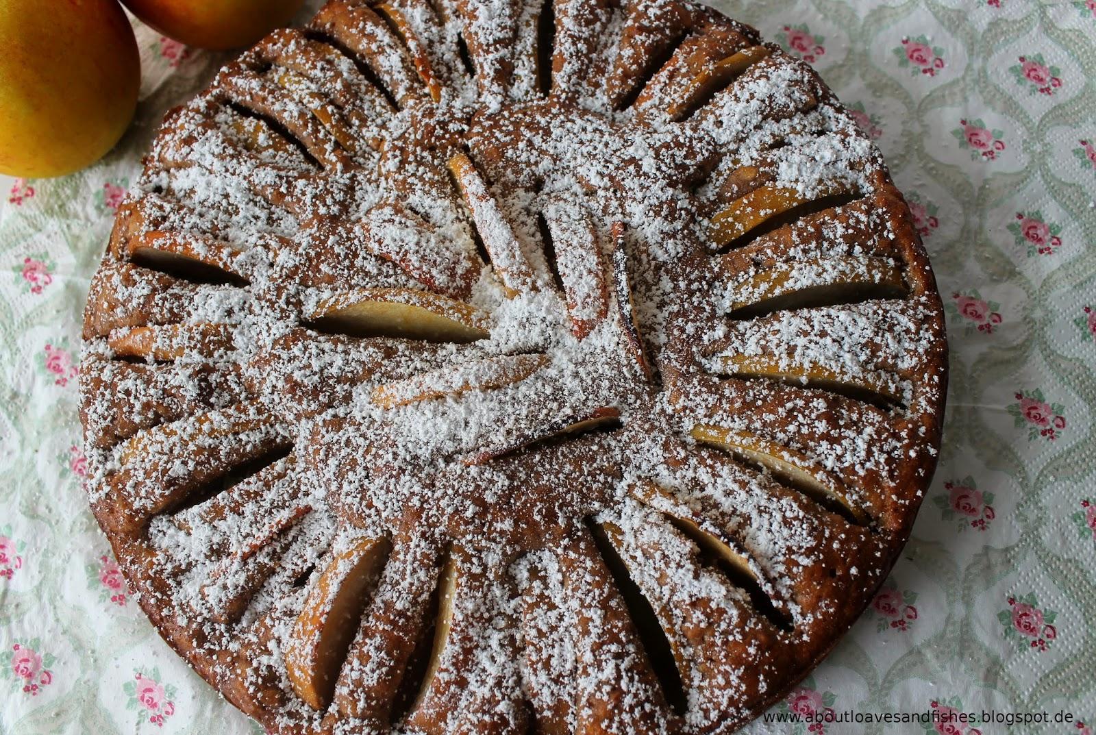 About Loaves and Fishes: (Vor-) Weihnachtlicher Apfelkuchen mit