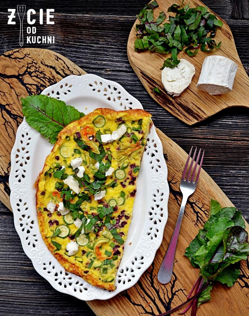 omlet, omlet z kwiatami cukinii, kwiaty cukini, jak przygotowac kwiaty cukinii, jak zrobic omlet, kwiaty jadalne, blog, zycie od kuchni