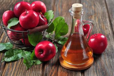 8 Utilisations cosmétiques très efficaces de vinaigre de cidre de pommes