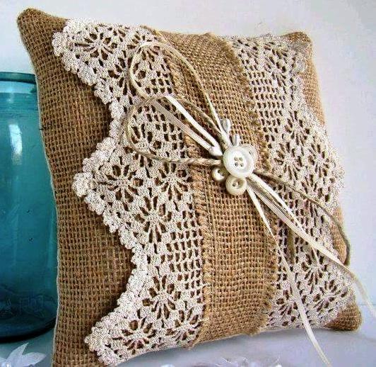arte em croch tric e artesanatos almofadas de croch para todos os gostos. Black Bedroom Furniture Sets. Home Design Ideas